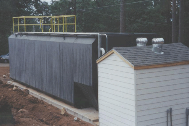SMALL WASTEWATER TREATMENT PACKAGE PLANT WITH SERVICE BUILDING